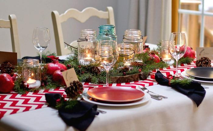 Bu, şenlikli bir masadaki ve sadece iç kısımdaki en uygun dekor öğesidir.