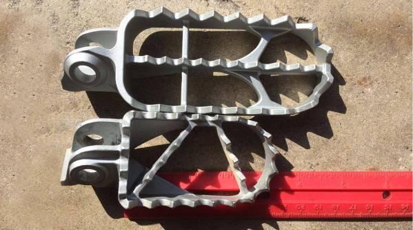 KTM-Rally-Footpegs-3