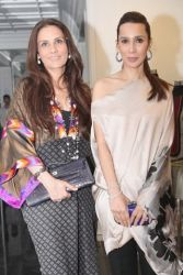 Sana Hashwani and Safinaz Muneer Sana Safinaz Exclusive Ladies Summer Design Kurti Shalwar Lawn Suite Kameez Collection 2017