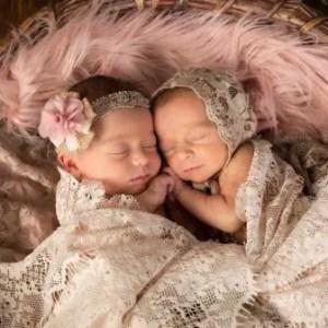 Nama Bayi Kembar Islami