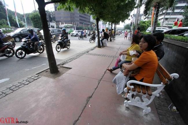 Bangku Taman Dan Street Furniture Lainnya Kita Dan Kota