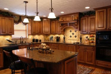 traditional kitchen kitchens wood medium cabinets brown golden designs luxury island tuscan decor tuscany decorating cabinet colors remodel themed paint