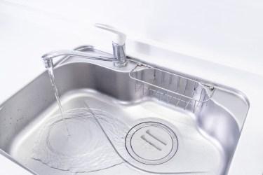 キッチンの蛇口の掃除方法。水垢にはクエン酸が効果的