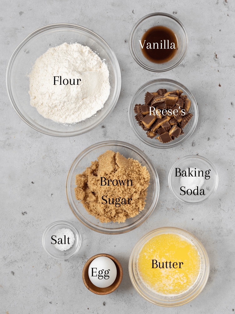 All of the ingredients needed for a reese's skillet cookie