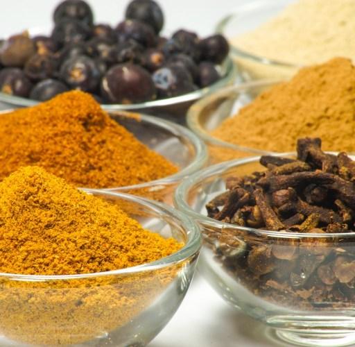 Salz & Pfeffer – So verwendest du Gewürze und Kräuter