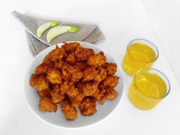Agatti Flower Pakoda with Banana Wine