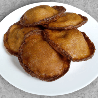 Neyyappam - A deep-fried Kerala delicacy (Vegan)