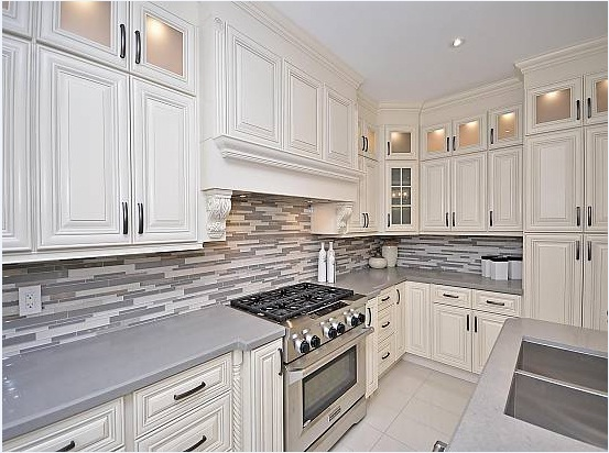 Ivory_white_classic_Kitchen_cabinet_complete_installation_finished