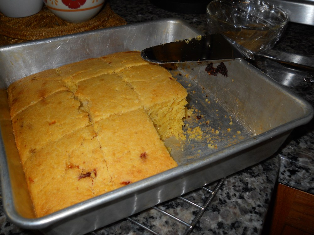 EASY, CHEESEY (IN THE BEST WAY) CORNBREAD (4/4)