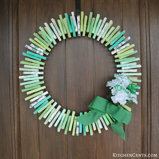 DIY Reversible St. Patrick's Day Wreath | KitchenCents.com
