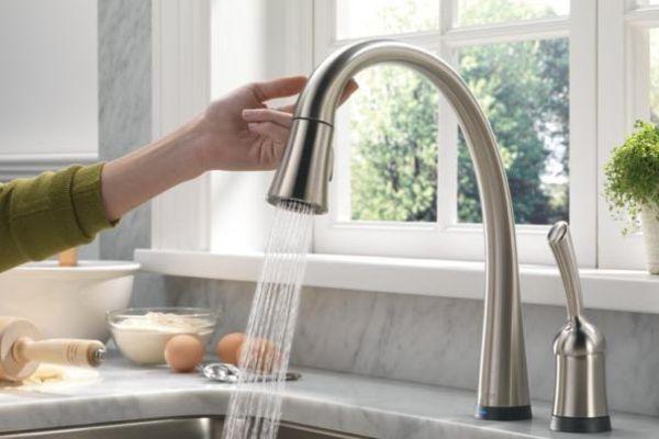 Touch Sensitive Kitchen Faucet (4)