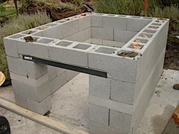 constructing an outdoor kitchen (2)