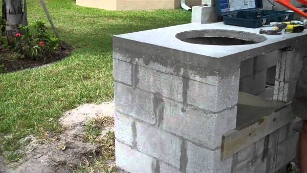 constructing an outdoor kitchen (6)