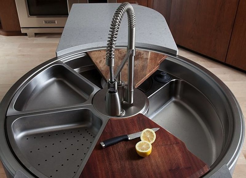 rotating sink with cutting board and