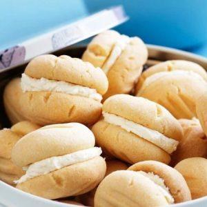 Melting Cookies With Lemon Buttercream