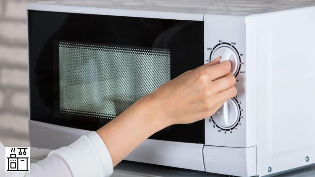 why do microwave ovens rust inside how