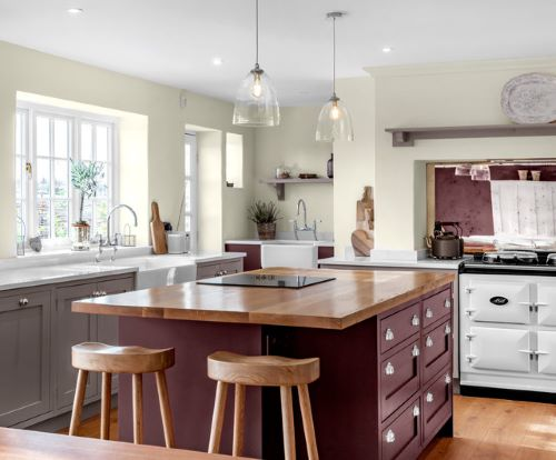 bold colors are a kitchen cabinet color trend 2021