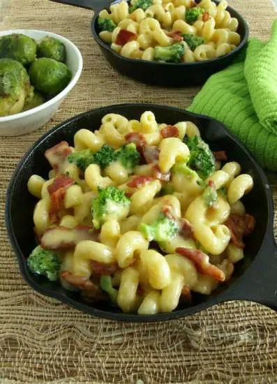 The bacon fat adds an extra layer of bacon-y flavor in this Bacon and Broccoli Mac and Cheese.