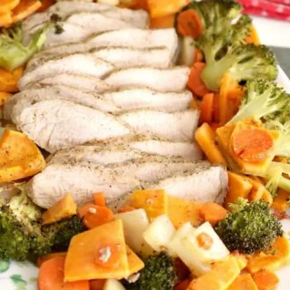 Tender and juicy marinated pork roasts in the oven with seasonal vegetables for a comforting, nutritious, and easy dinner! This Roasted Pork Tenderloincomes together with only 10 minutes of preparation!