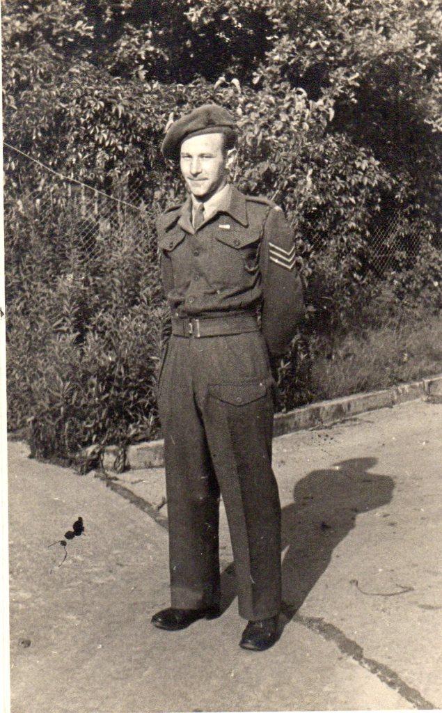 Kitchener camp, Willi Reissner, Pioneer Corps uniform