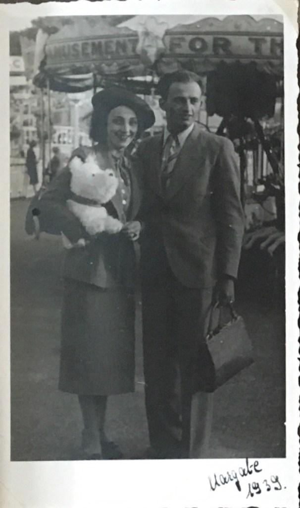 Kitchener camp, Victor Cohn, with Brigitte (Kitty) Cohn, Margate 1939