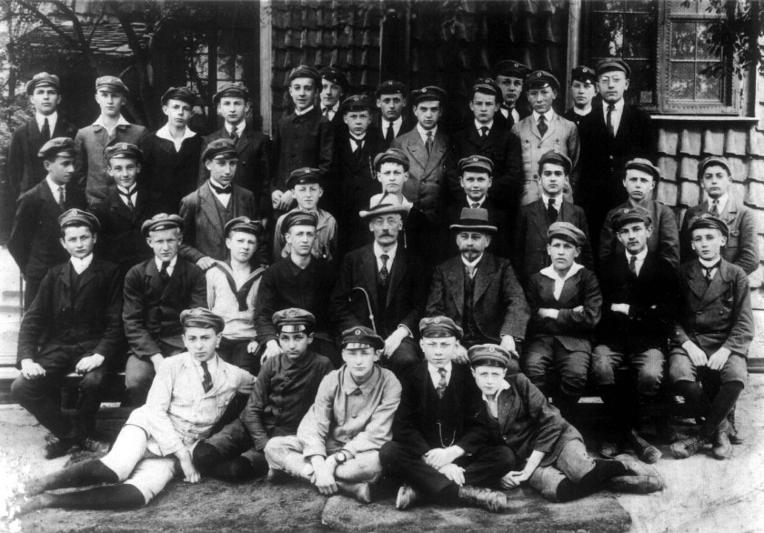 Kitchener camp, Walter Kleeberg, Sitting on the floor on the right with his classmates in 1918/19