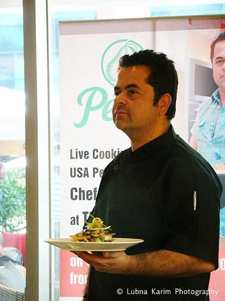Chef Ratnani with his recipe....
