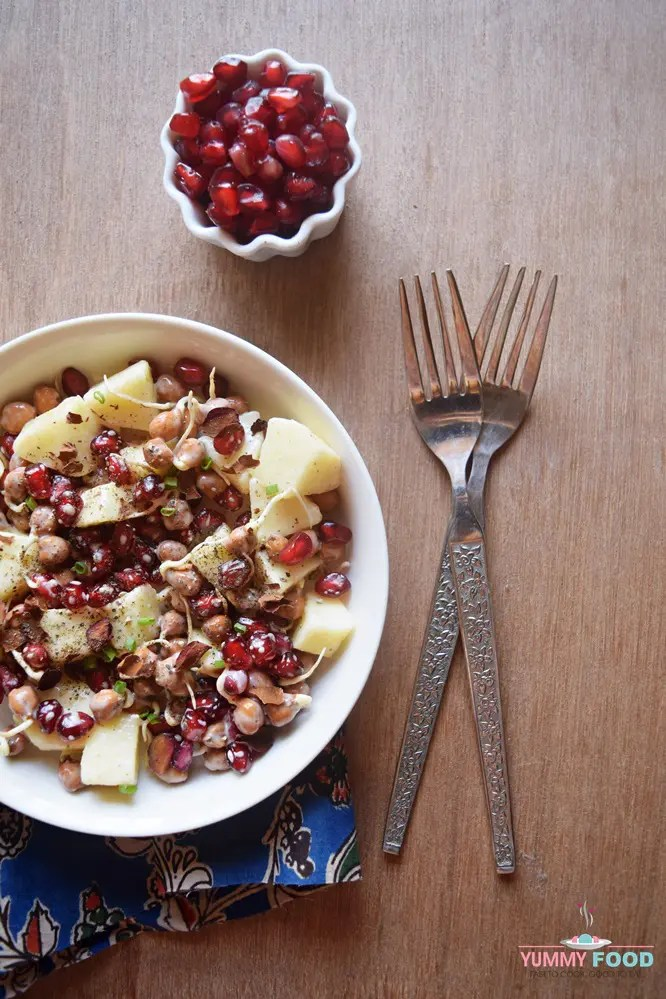 Black Chickpea Sprouts Salad