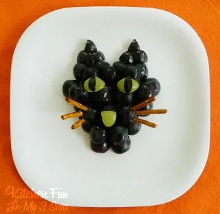 Black Cat Grape Snack