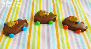 Your kids are going to just love these fun Easter Bunny Reese's Egg Carsand these take just a few minutes to make!