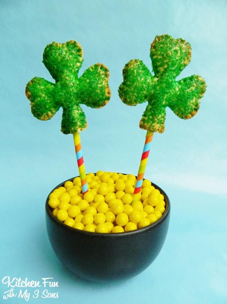St. Patrick's Day Shamrock Key Lime Pie Pops