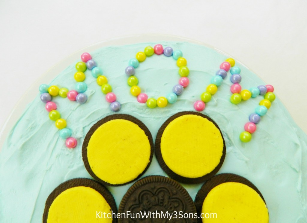 Easy Mother's Day Sun Flower Oreo Cake