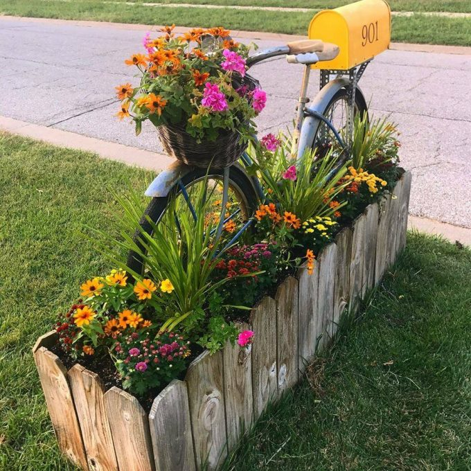 Bicycle Flower Bed Mailbox....Over 50 of the BEST DIY Yard and Garden ideas!