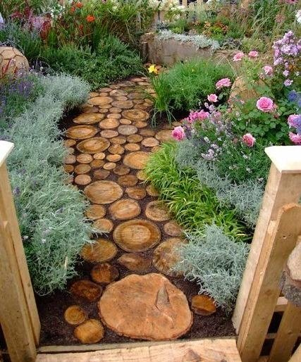 Tree Stump Garden...these are the BEST DIY Garden & Yard ideas!