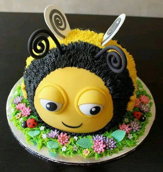 Bumble Bee Cake...these are the BEST Cake Ideas!