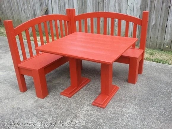 Turn a Crib into a Corner Bench...awesome Upcycled Ideas!