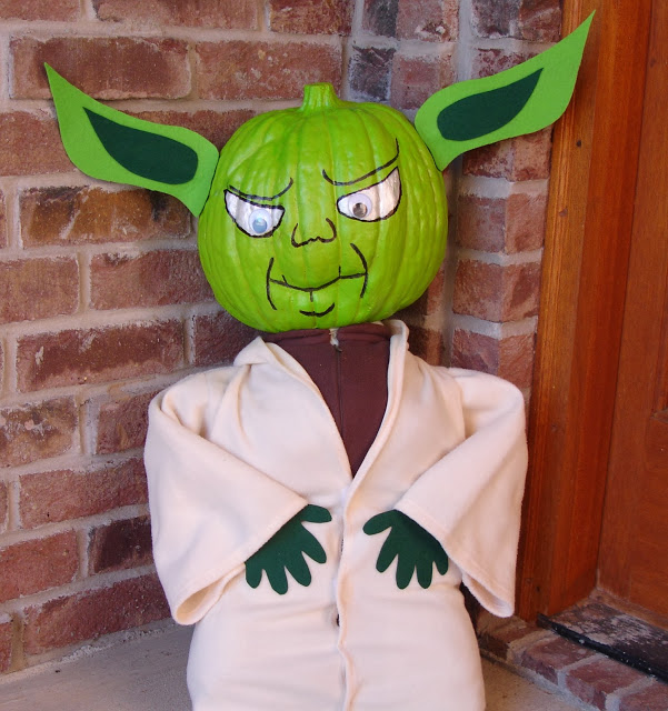 Star Wars Yoda Pumpkin...these are the BEST DIY Carved & Decorated Pumpkin Ideas for Halloween!