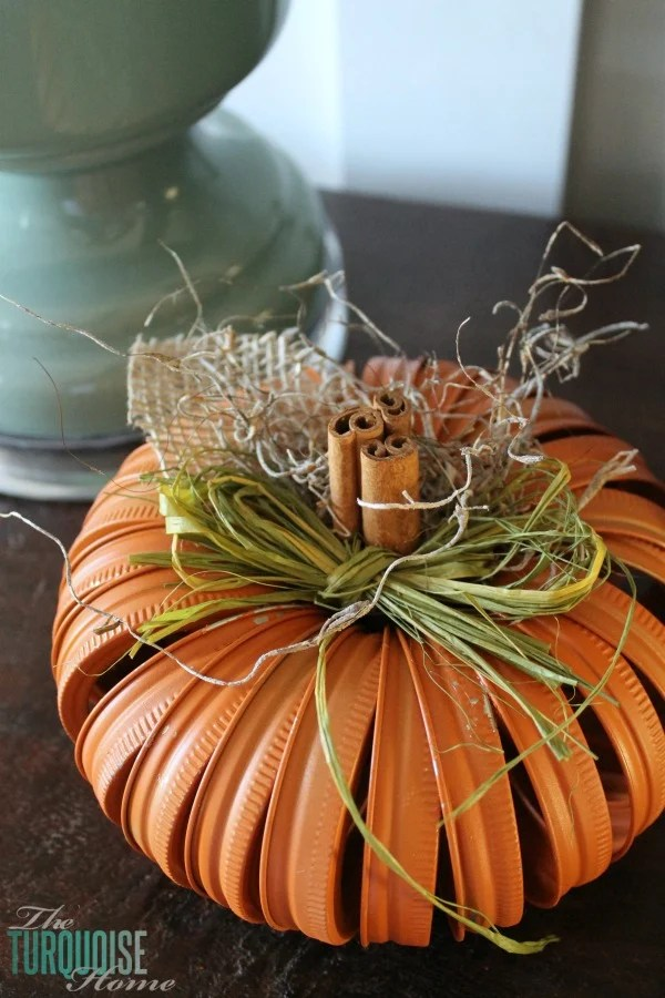 Mason Jar Lid Pumpkin Craft...these are the BEST Fall Craft Ideas & DIY Home Decor Projects!