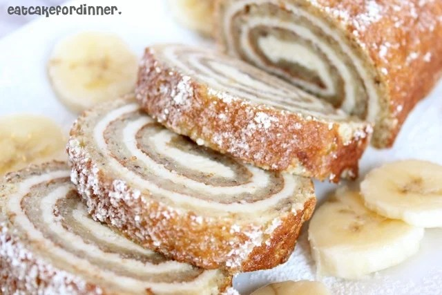 Banana Cake Roll with Cream Cheese Filling...these are the BEST Fall Dessert Recipes!
