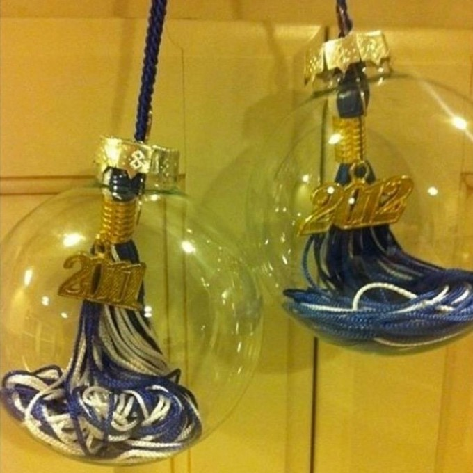Turn a Graduation Tassel into a Christmas Ornament...these are the BEST Homemade Ornament Ideas!