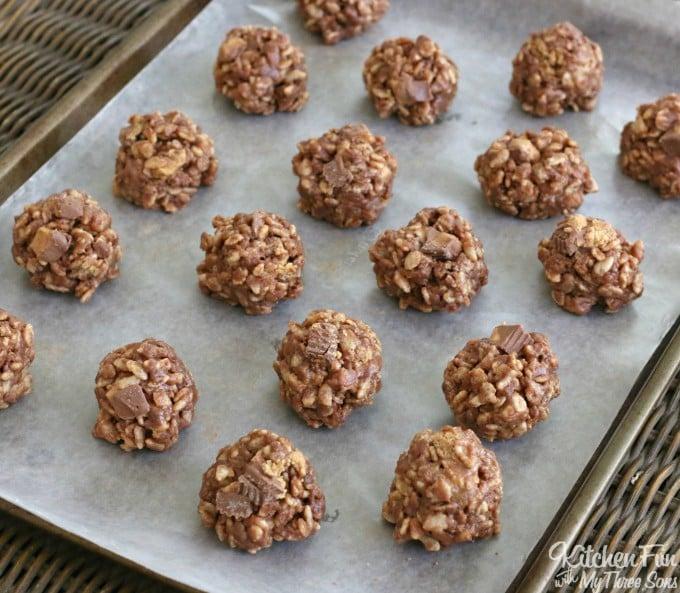 No-Bake Krispie Reese's Cookies