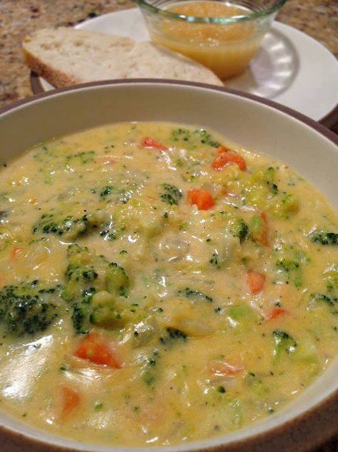 Panera Broccoli Cheese Soup Recipe...these are the BEST Comfort Food Recipes