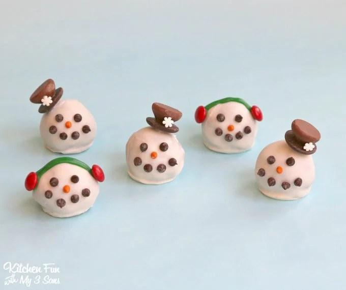Christmas Snowman Oreo Cookie Balls