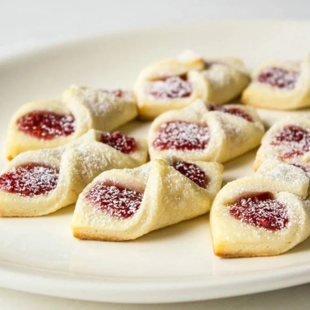 Raspberry Bow Tie Cookies...these are the BEST Christmas Cookie Recipes!