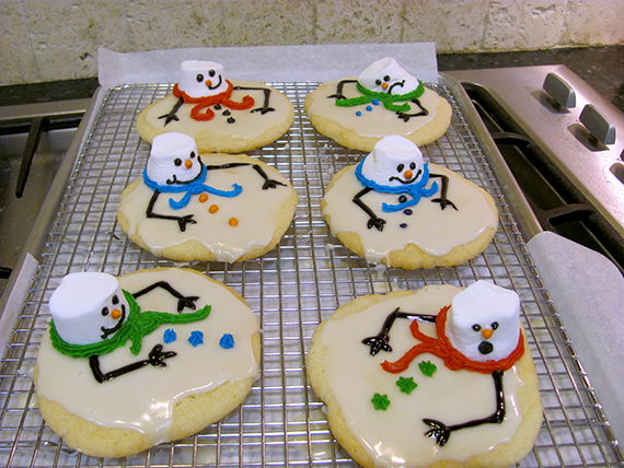 Melted Snowman Cookies...these are the BEST Christmas Cookie Recipes!
