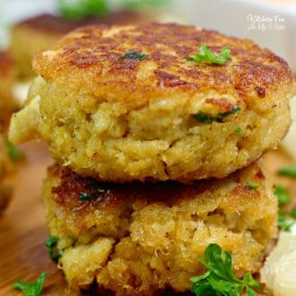 Southern Crab Cakes are arguably some of the best you'll ever eat. If you love crab with a bit of to-die-for spicy tartar sauce on the side, this is for you.