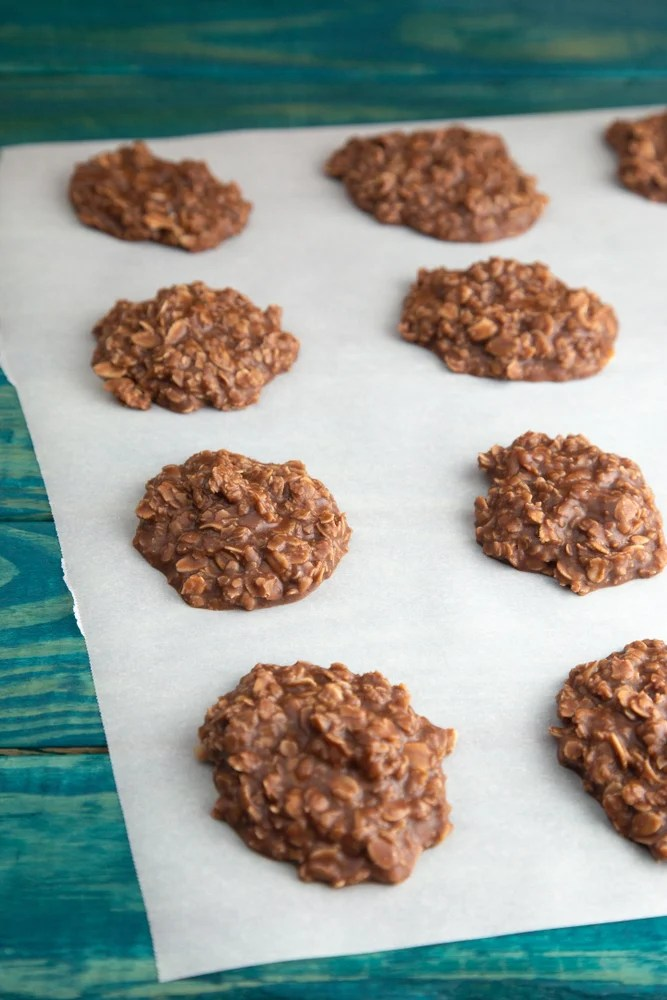 Oatmeal Cookies with Chocolate and Peanut Butter
