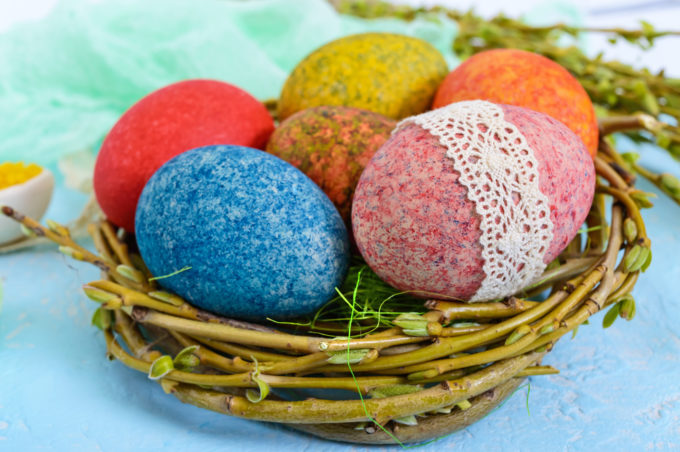Dying Easter Eggs With Rice