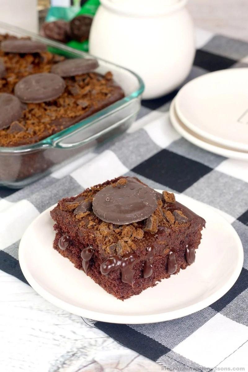 thin mint chocolate poke cake