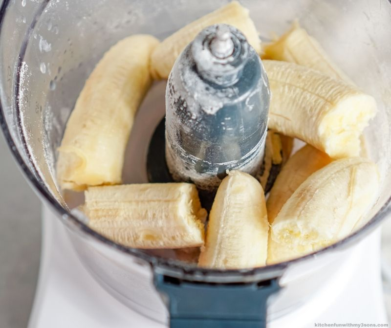 bananas in the food processor